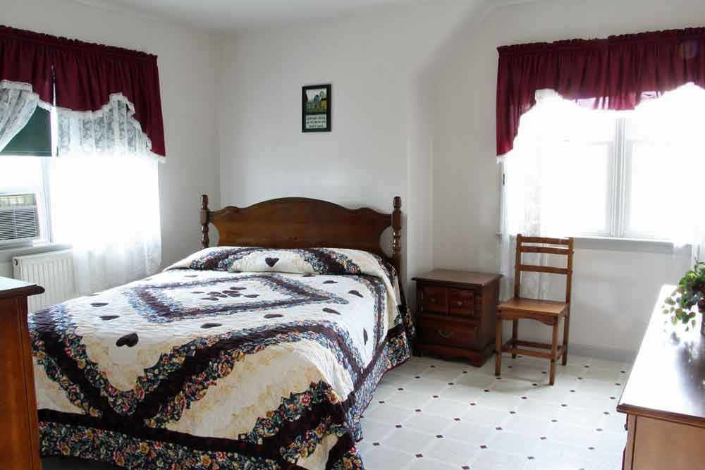 Country Lane Farm Amish Guesthouse in Lancaster PA