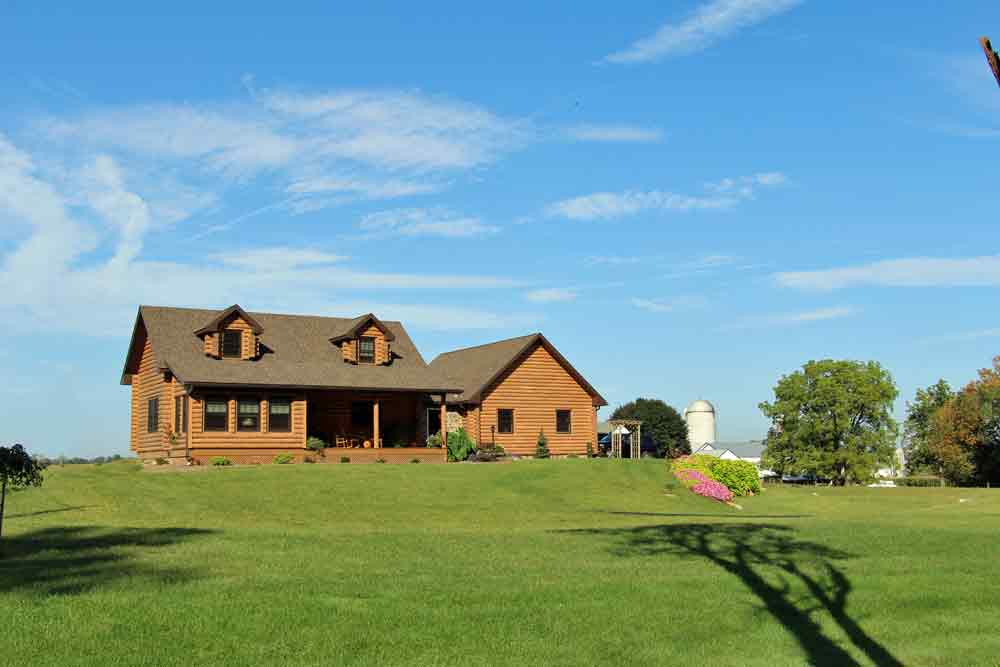 Lancaster County Bed and Breakfast - Iron Stone Acres Log Home