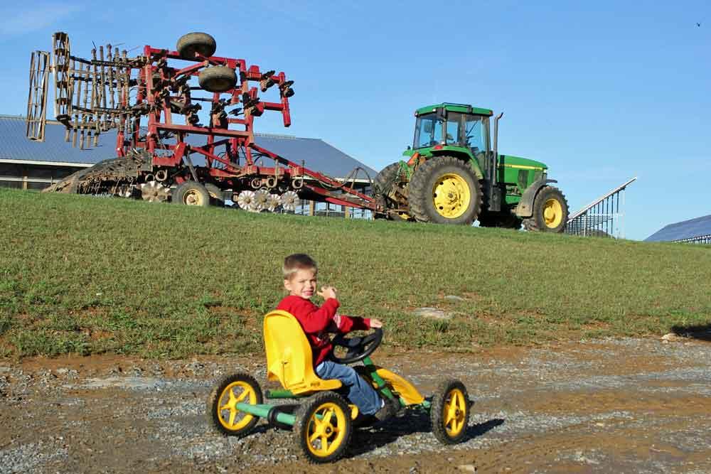 family friendly farm stay Lancaster County PA